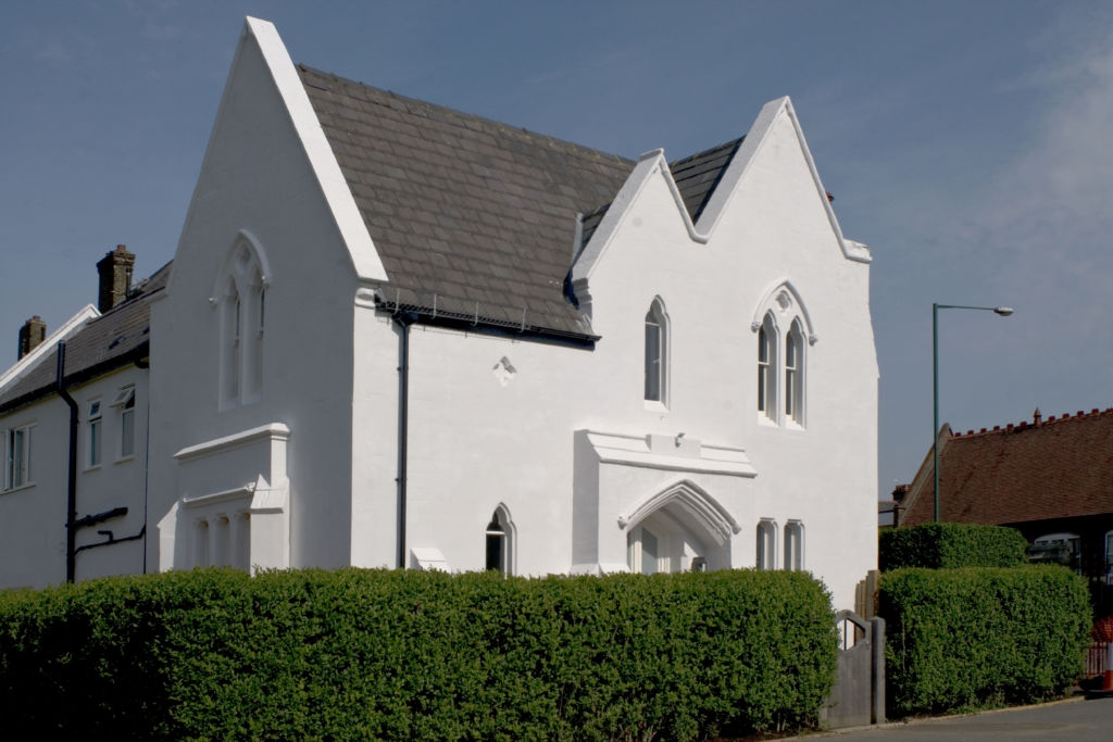 All about breathability and a guide to painting exterior lime render
