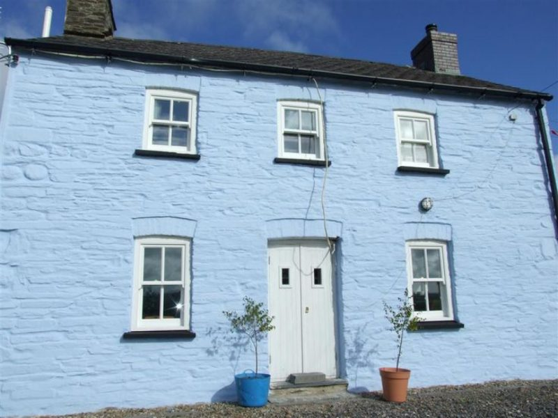 Earthborn Ecopro Silicate Masonry Paint colour Cobalt Blue is breathable and long-lasting