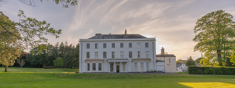 Moreton House Devon is a Georgian property painted in breathable Earthborn Ecopro Silicate Masonry Paint