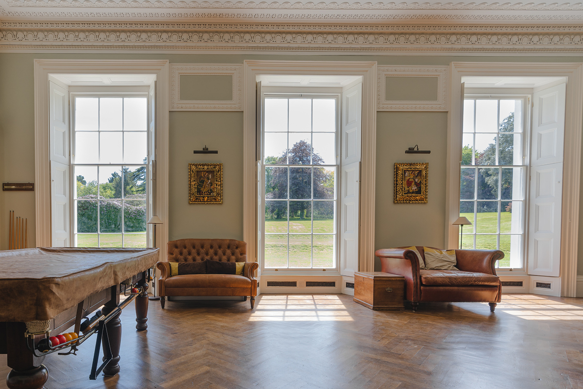 Moreton House Devon has been undergoing a complete renovation programme, featuring Earthborn paint colours