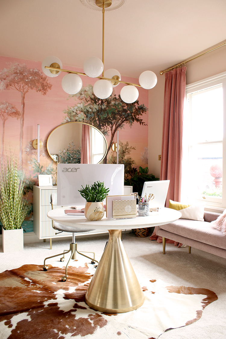 Kimberly from Swoonworthy created a peach toned office and dressing room