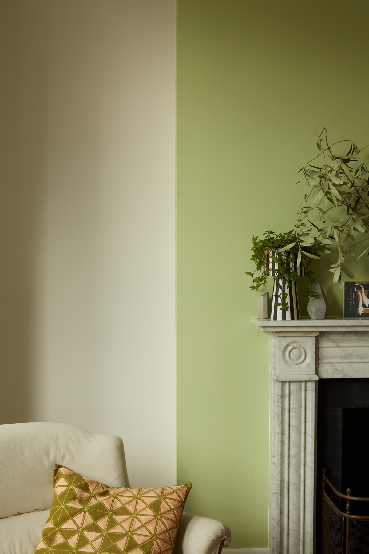 Paired with off whites and neutral colours, Grasshopper is a gentle accent green