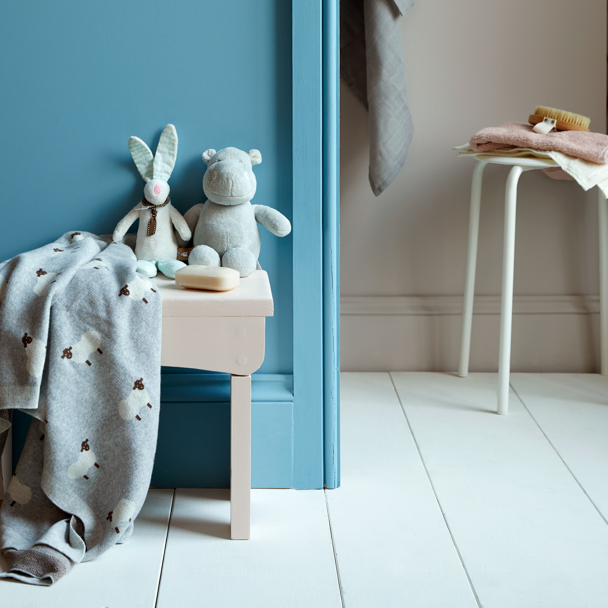 Nursery paint should be practical and gentle! Like this one featuring Earthborn Lifestyle & Eggshell No.17